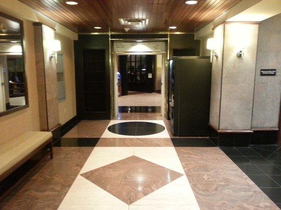 Sheraton Eatontown Hotel: Lobby 2