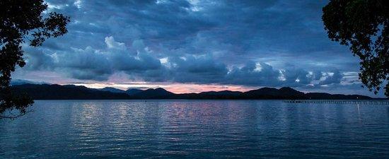 Tavanipupu Island Resort: Just another picturesque evening.