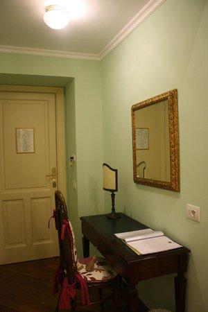 Palazzo Marziale : Entrada da suíte