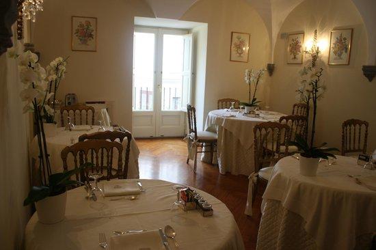 Palazzo Marziale : Café da manhã em um palácio