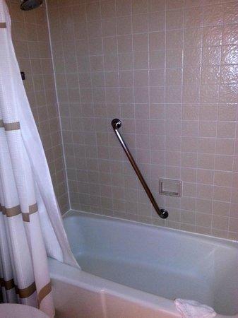 JW Marriott Houston: Room 1502 bathroom
