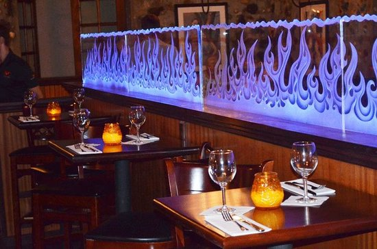 Virgin Fire Bar & Grill: etched flames divider wall