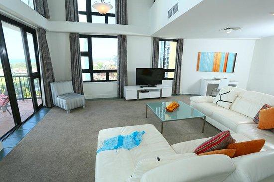 Neptune Resort: 2 Bedroom Penthouse living