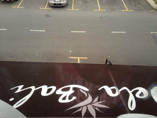 Hotel de Art: lot of parking space