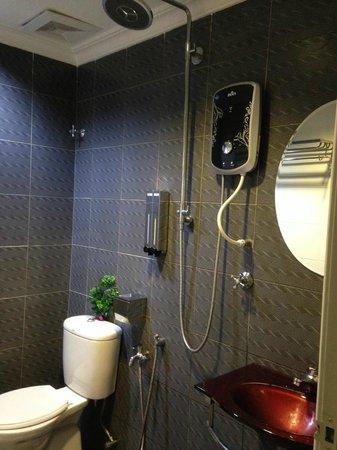 Hotel de Art: nice bathroom