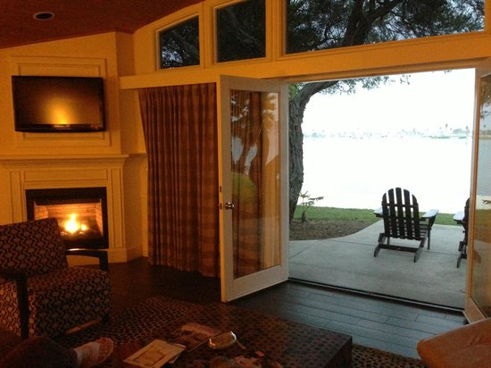 Paradise Point Resort & Spa : The Fireplace Suite