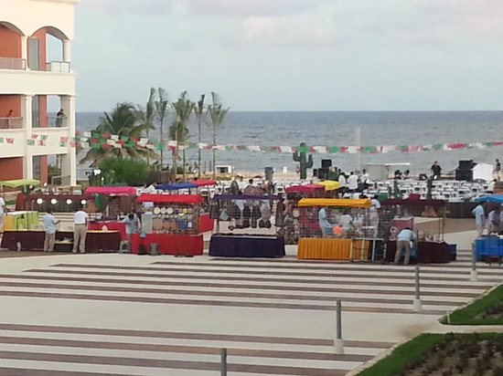 Heaven en Hard Rock Hotel Riviera Maya: View from room in Hacienda - Friday Fiesta