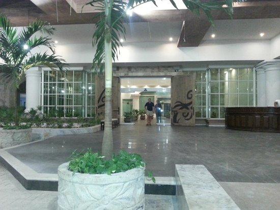 Heaven at the Hard Rock Hotel Riviera Maya: Heaven main lobby entrance