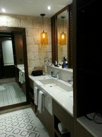 Heaven at the Hard Rock Hotel Riviera Maya: bathroom