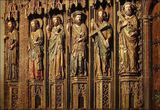 Iglesia de Santa Maria de los Reyes: Полихромный портал церкви (фрагмент)