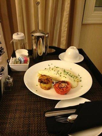 JW Marriott Chicago: room service