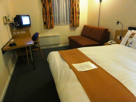 Holiday Inn Express Inverness: Room