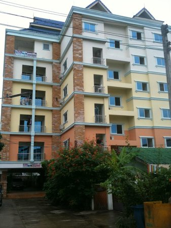 Loft Residence Chiang Mai : Loft Residence. My first view of this condo.