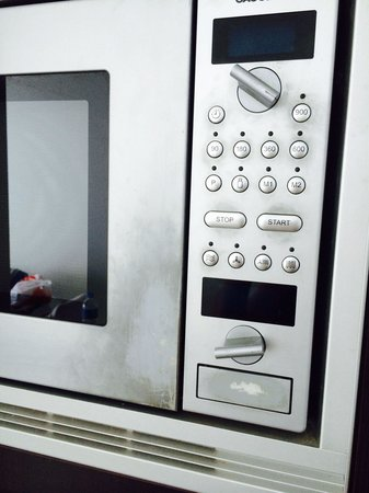Mantra Sirocco: Dirty/ stained microwave