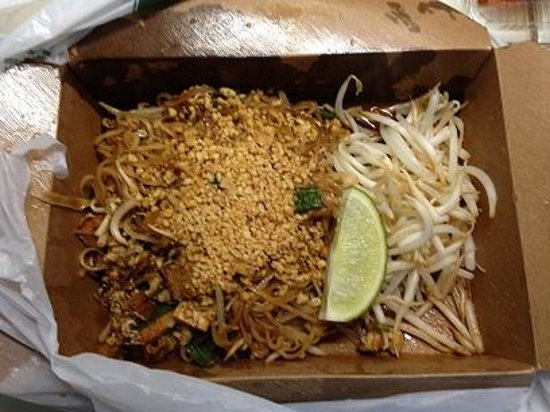 Opal Thai: Chicken w/Pad thai Noodles