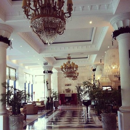 Dalat Edensee Resort & Spa: the gorgeous hotel lobby