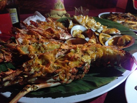 Bayang Cafe: great grilled seafood