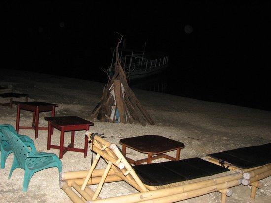 Gili Air Resort : Beach Party