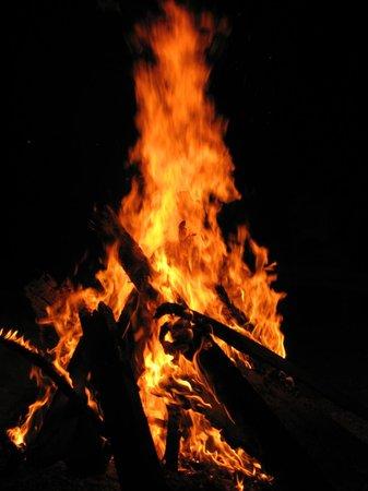 Gili Air Resort : Bonfire