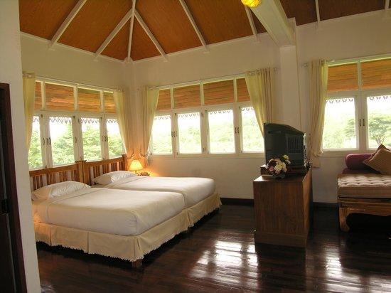 Mohn Mye Horm: Room