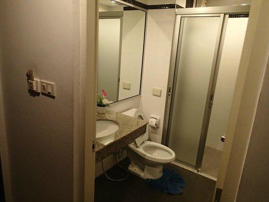 Casa e Mare: Standard bathroom