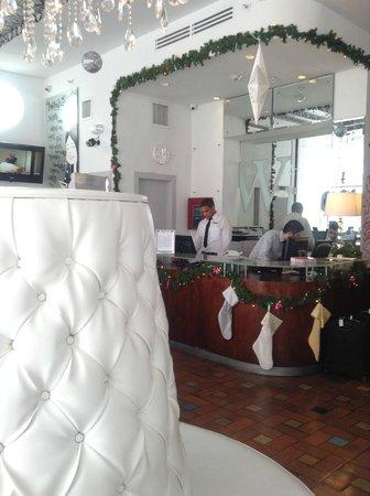 Whitelaw Hotel : Ресепшн
