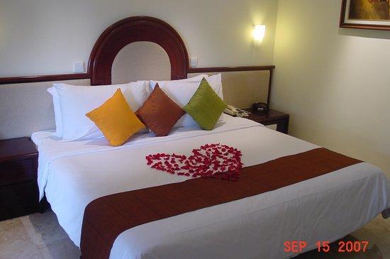 Discovery Kartika Plaza Hotel: Romantic room