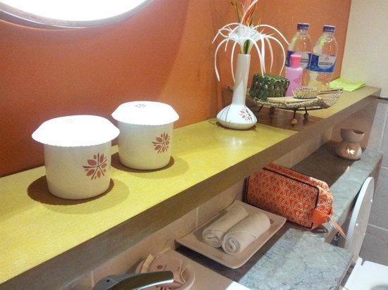 Angsana Bintan: bathroom1
