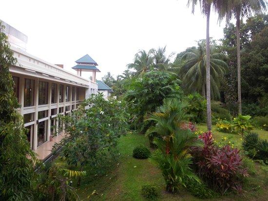 Angsana Bintan: lobby from outside