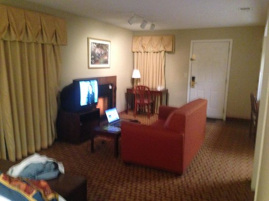 Hawthorn Suites by Wyndham Wichita East: Wichita