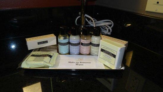 Best Western Premier Ivy Inn & Suites: very nice cosmetics