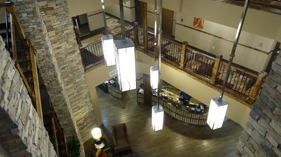 Best Western Premier Ivy Inn & Suites : The hall. view from the third floor