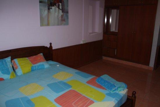 Summer Beach Lodge: Große Zimmer mit etwas weichen Betten