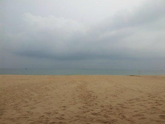 The Beach Resort: Пляж когда ветренно
