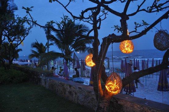 Centara Grand Beach Resort & Villas Hua Hin: Beach at Night