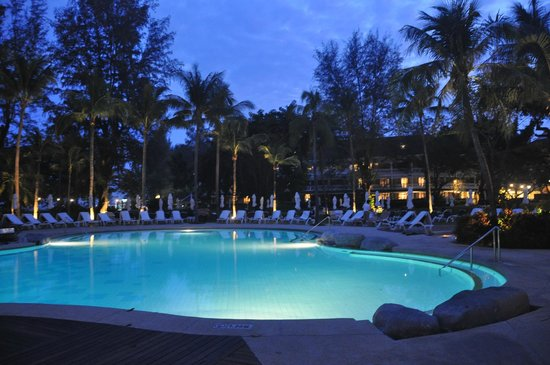 Centara Grand Beach Resort & Villas Hua Hin: Pool at Night