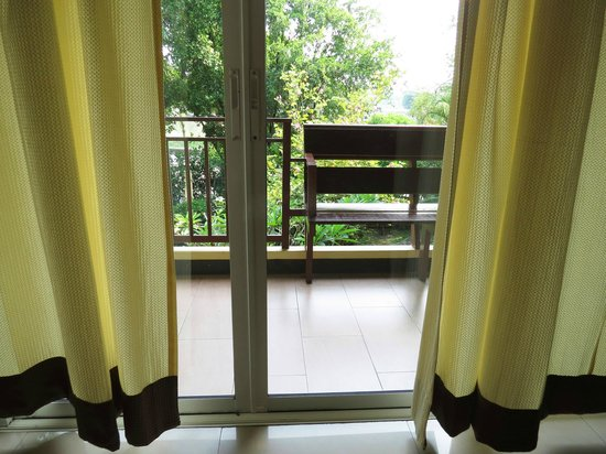Suphan Lake Hometel: balcony