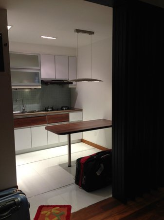 Rare Stay : Kitchen & dining