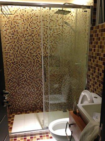 Rare Stay: Bathroom
