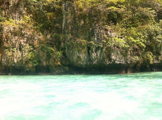 Phuket Sail Tours: Phi Phi Island