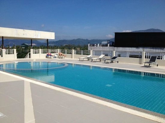 The ASHLEE Plaza Patong Hotel & Spa: Swimming Pool on Roof Top