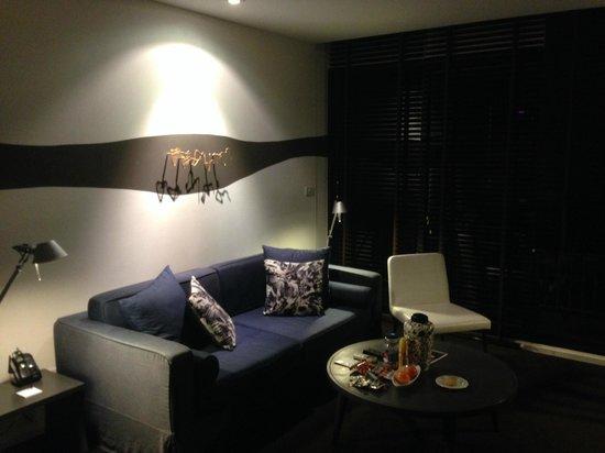 Tenface Bangkok: Living Room in Bedroom