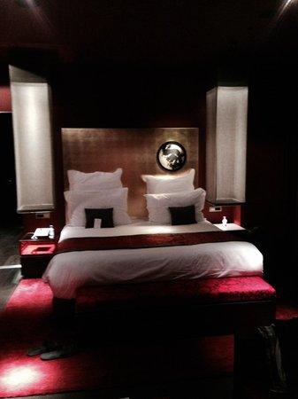 Buddha-Bar Hotel Budapest Klotild Palace: Rum/Svit