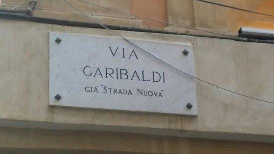 Via Garibaldi: Genova