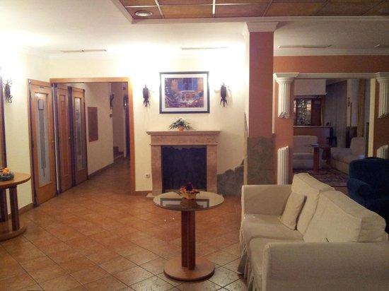 Hotel Mediterran: Hall