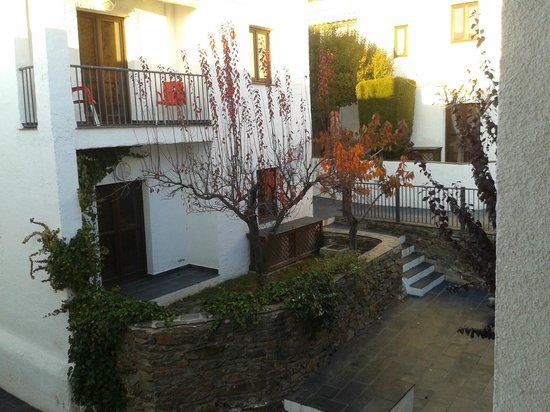 Hotel Villa de Bubion: plazas interiores