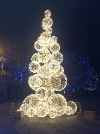 Premier Inn Plymouth City Centre (Sutton Harbour) Hotel: Christmas lights in the city