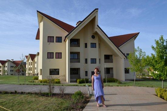 Hotel Farah Inn : общий вид одного из корпусов