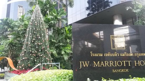 JW Marriott Hotel Bangkok: Christmas in the tropics