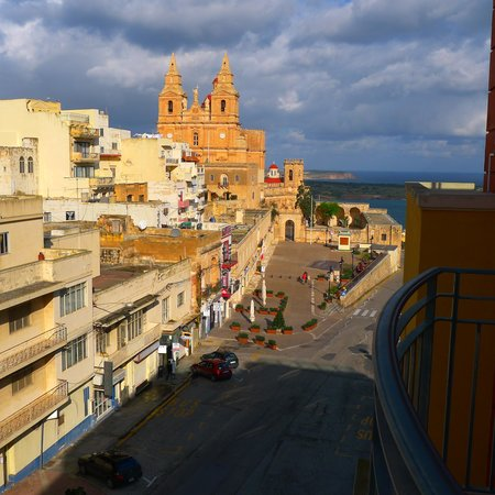 Maritim Antonine Hotel & Spa: View from hotel room on 6th floor